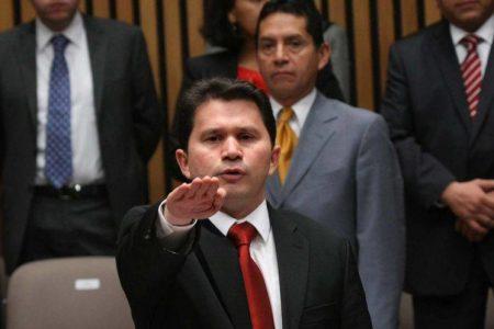 Mauricio Sahuí, el gran defensor de la reforma energética, busca de nuevo ser diputado federal