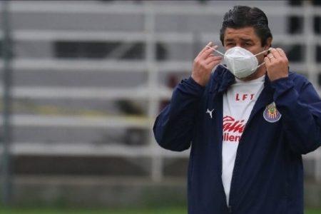 Tena, fuera: las Chivas despiden a su entrenador en domingo