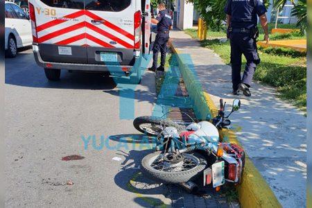 Motociclista atropella a mujer de 70 años que intentó cruzar la calle