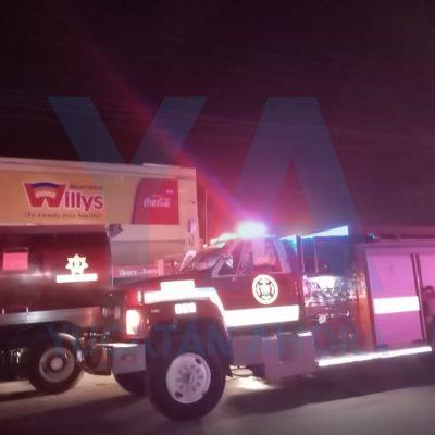 Buen vecino con buen olfato evita un incendio mayor en una tienda Súper Willys
