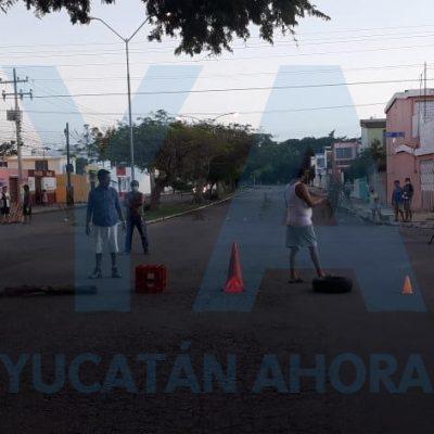 Cierran calles en Pacabtún, en protesta por constantes apagones