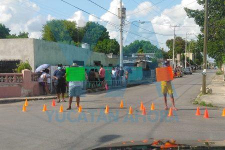 Rebelión contra CFE en la Mercedes Barrera: desde ayer no tienen electricidad