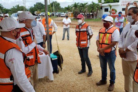 Titular de la SCT supervisa obras carreteras en Yucatán