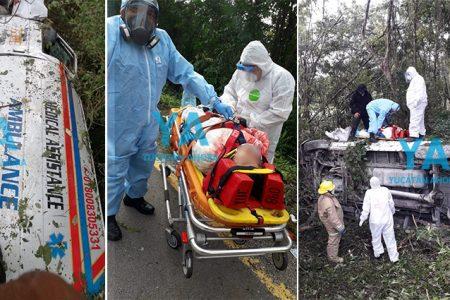 Vuelca ambulancia con paciente Covid: dos lesionados