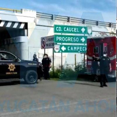 Se arroja de un puente del Periférico: policía de la SSP amortigua su caída y le salva la vida