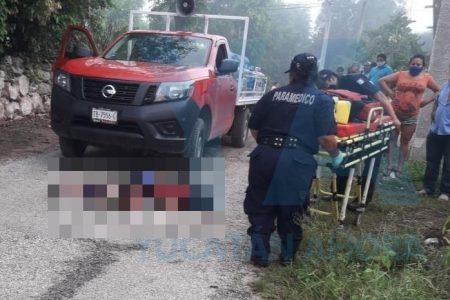 Camioneta atropelló a peatón que caminaba en el arroyo vehicular
