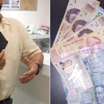 Recupera cartera que olvidó en un restaurante del aeropuerto de Mérida