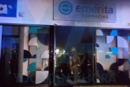 Incendio de medianoche en la Farmacia Emérita de Ciudad Caucel