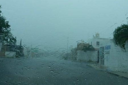Se abate sobre Mérida la tormenta más copiosa del verano