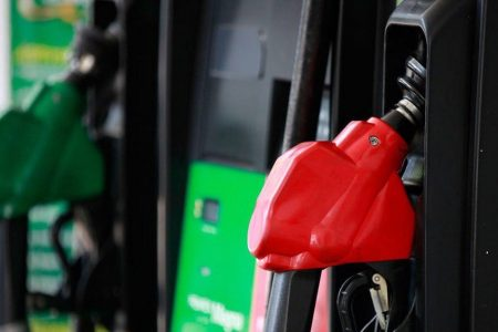 En 2021 Hacienda quiere cobrar una 'cuota complementaria' al IEPS de gasolinas