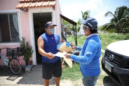Inicia entrega de apoyos del programa 'Peso a Peso' a pescadores yucatecos