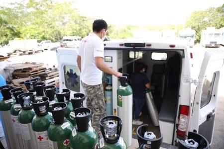 Gobierno del Estado dota con más tanques de oxígeno a ambulancias de la Secretaría de Salud de Yucatán