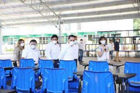 Equipan escuelas de Yucatán para que estén al 100 cuando se reanuden las clases presenciales