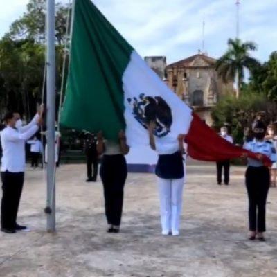 Ceremonia de Independencia con toque de silencio por las víctimas del Covid-19