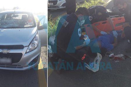 Joven grave tras ser atropellada al intentar cruzar en la Mérida-Campeche