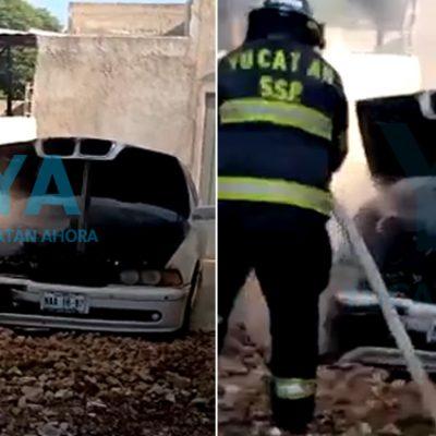 Se incendia su auto luego de estacionarlo