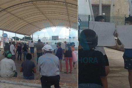 Se manifiestan a favor del nuevo mercado en Chicxulub Puerto