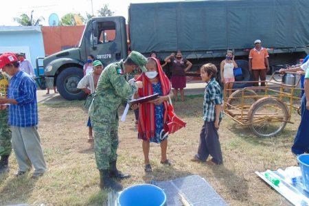 El Ejército sigue entregando apoyos del Fonden para familias yucatecas