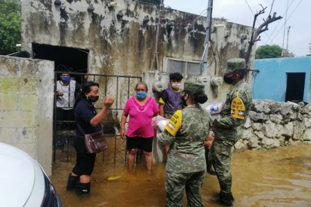 Ejército Mexicano entrega despensas en Noc-Ac