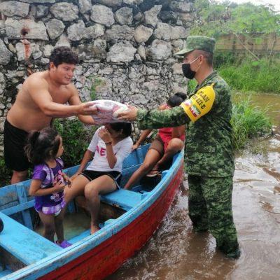 Ejército Mexicano apoya con distribución de despensas en  Cosgaya, Komchén y Xcunyá