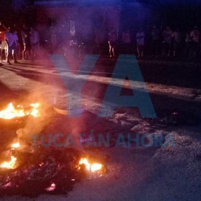 Queman llantas en Xcanatún por falta de luz desde hace tres días; CFE desaparecida