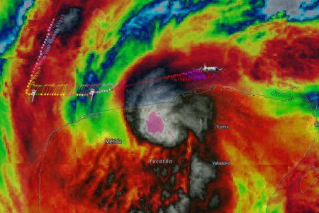 Zeta, una fuerte tormenta tropical de 110 km/h, avanza sobre Yucatán