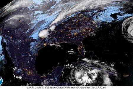 No la den por muerta: aún podría haber depresión tropical en el Caribe