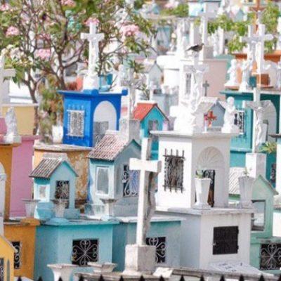 López-Gatell pide a la gente no congregarse en Día de Muertos y el 12 de diciembre