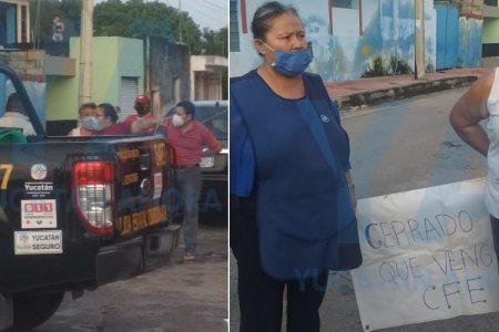 Otra rebelión contra CFE por mal servicio: vecinos del centro bloquean calles