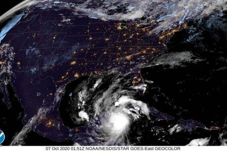 Esta noche, el huracán Delta dejará lluvias torrenciales en la Península de Yucatán