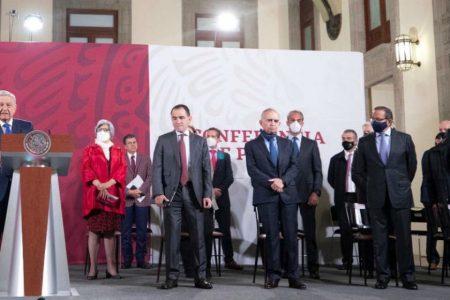 AMLO y empresarios pactan proyectos de inversión por 300 mil millones de pesos