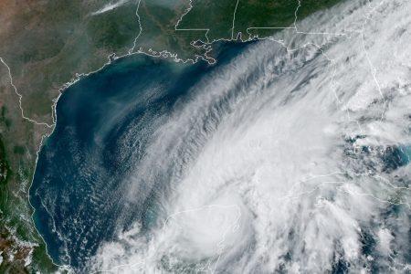 Emiten alerta roja en Yucatán por la efectos de la tormenta tropical Gamma