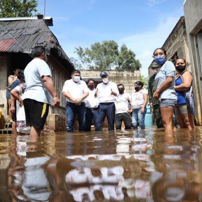 Mauricio Vila recorre el oriente de Yucatán para apoyar a damnificados por Gamma