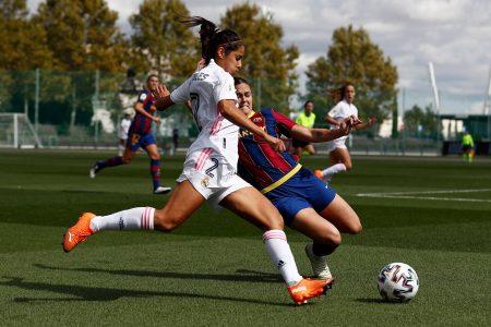 La mexicana Kenti Robles juega el primer Real Madrid-Barcelona, de la Liga española femenil