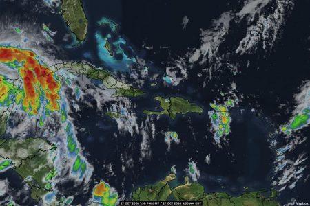 Zeta sale al mar, pero aún seguirán sus vientos y lluvias en la costa norte de Yucatán