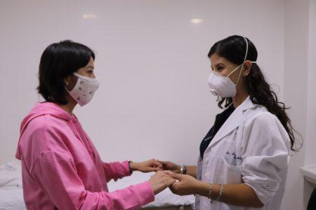 Con injerto óseo, médicos del IMSS evitan amputación de pie en una adolescente