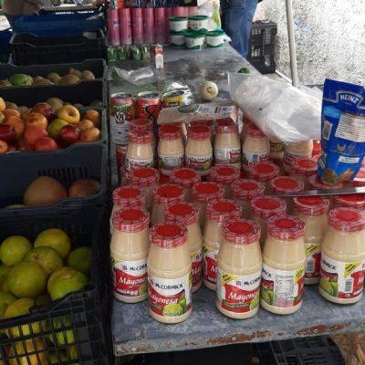 Aseguran productos caducos en tianguis de Mérida