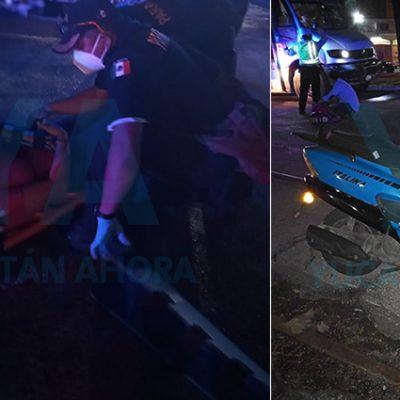 Una joven motociclista derrapa en los 'rieles de la muerte', cerca de la Dondé