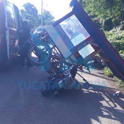Choca un mototaxi contra una moto por culpa de una piedra