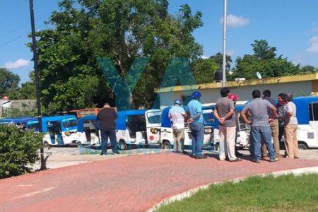 Protestan mototaxistas en San Antonio Xluch