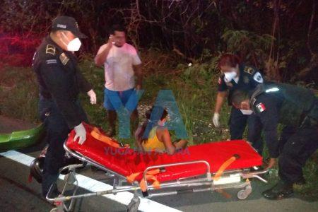 Joven lesionada en la carretera Mérida-Progreso