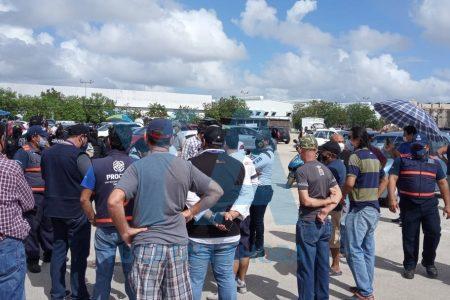Retiran tianguis del auto en la Central de Abasto: no tiene permiso para funcionar