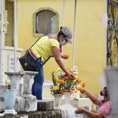 Casi 11 mil meridanos visitaron los cementerios por el Día de Muertos
