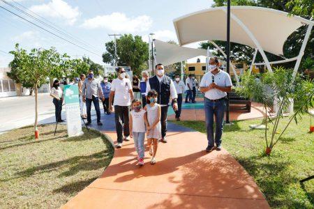 Entregan rehabilitación del parque Francisco de Montejo IV etapa