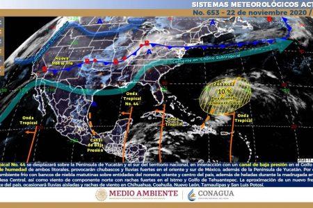 Pasar hace la onda tropical 44: lloviznas con chubascos aislados en Yucatán
