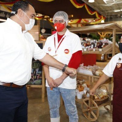 """Renán Barrera pone en marcha el programa """"Mujeres Seguras en tu Establecimiento"""""""