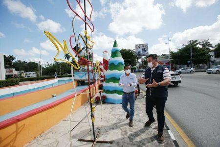 Embellecen glorietas y parques de Mérida con decoración navideña