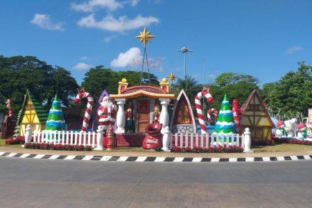 Empresas se unen al decorado navideño de Mérida