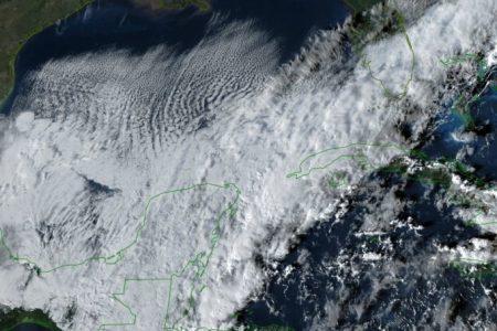 Este lunes llega el frente frío 17, con lluvia, viento y descenso de temperatura