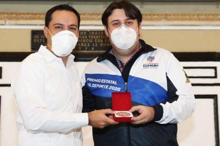 El Gran Maestro de ajedrez Luis Ibarra Chami recibe el Premio Estatal del Deporte 2020